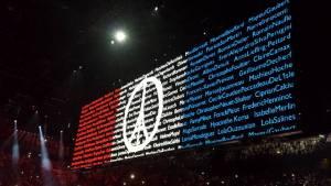 hommage attentats paris par U2