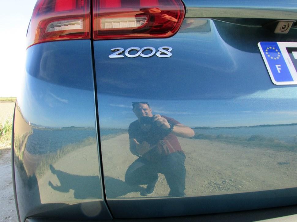 peugeot-2008-reflet