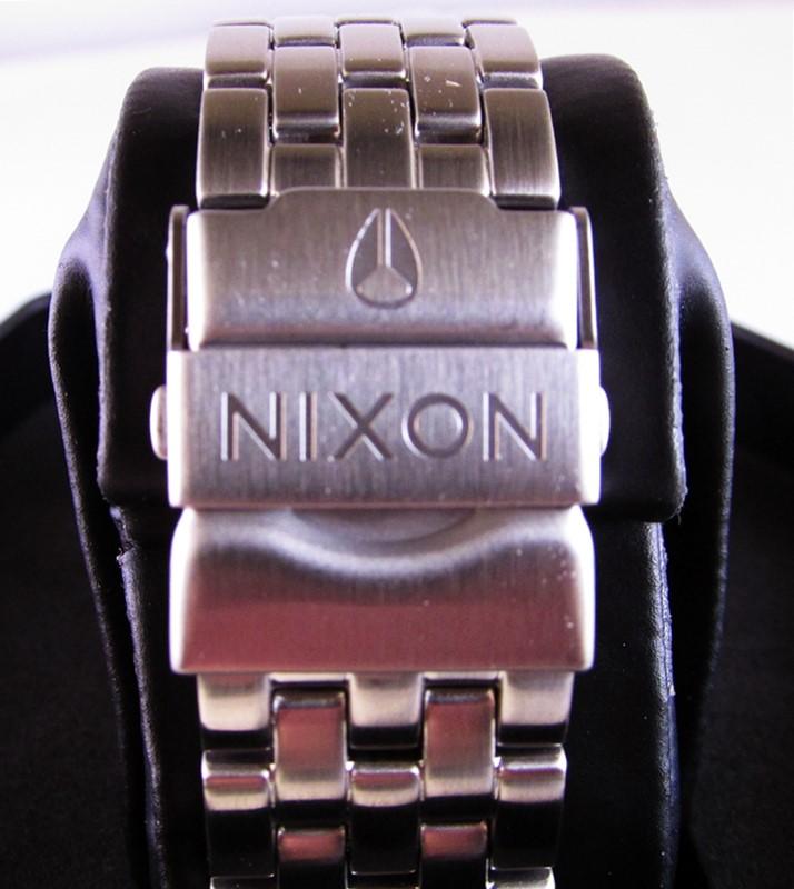nixon-detail-bracelet