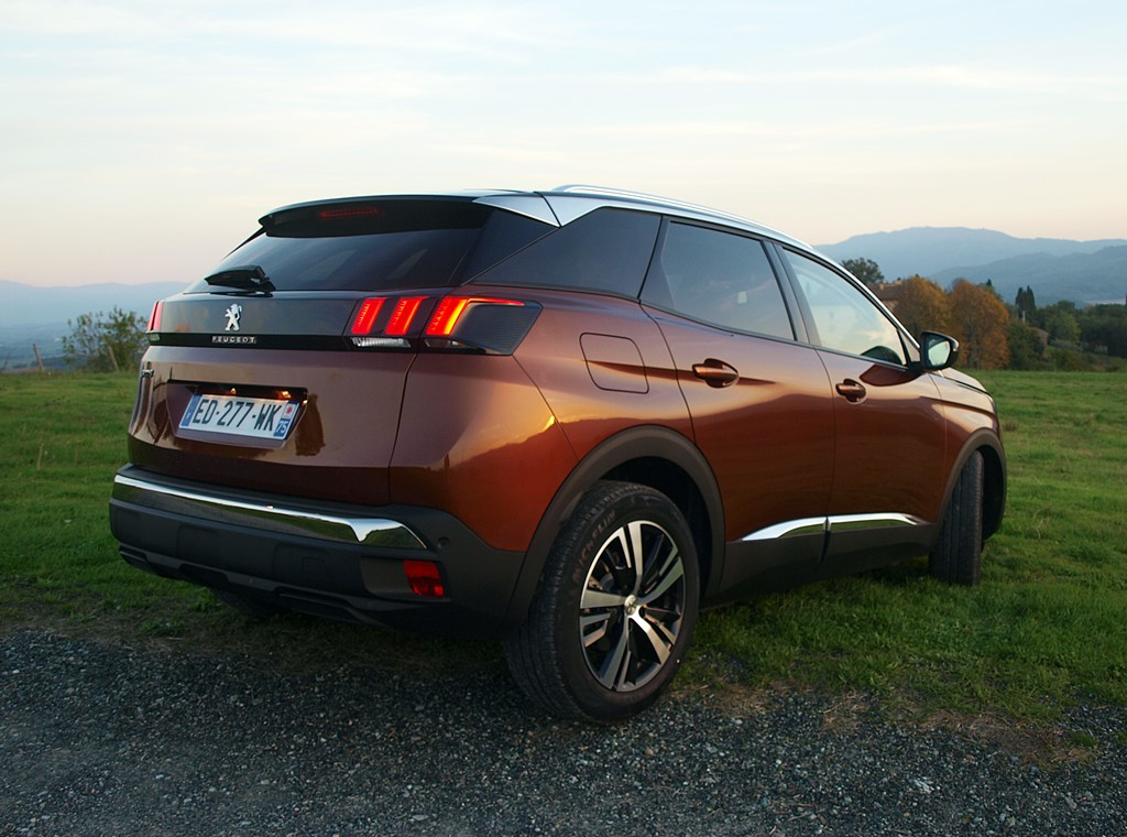 peugeot-3008-allure-metallic-copper