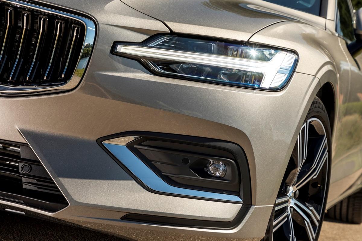 Volvo V60 - phare marteau de thor