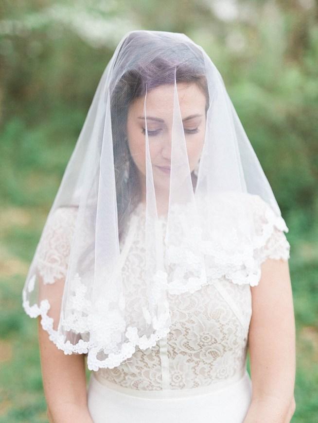 slöja till brudklänningen