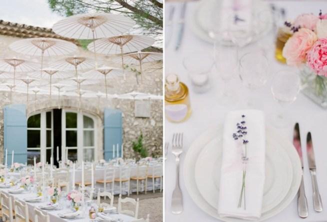 Romantisk bröllopsdukning med rosa blommor och lavendel