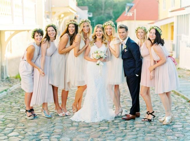 bruden med sitt brudfölje