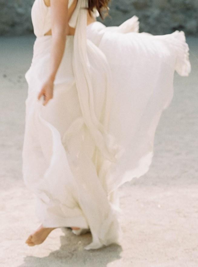 bröllopsinspiration brudklänning med fladdrande kjol