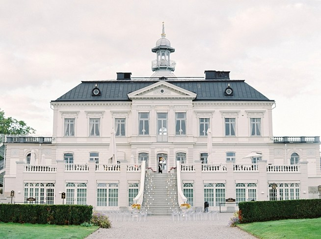 Bro Hof Slott,Bröllop,Atumn Wedding,2 Brides Photography,bride and groom,Wedding photographer Sweden,Film photography,fine art wedding photographer Europe,Contax 645,Stockolm wedding,Wedding in Sweden,Outdoors Wedding,White Wedding,Wedding Dress,
