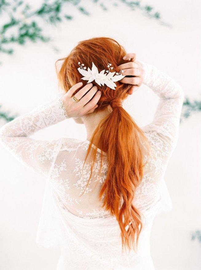 hårsmycke till brud med liljekonvalj