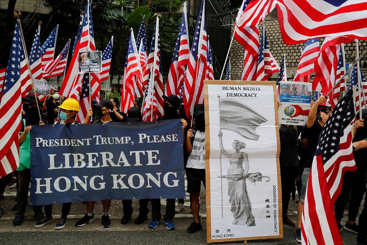 Hong Kong protesters hit pause to mark September 11 attacks .:. Tibet Sun