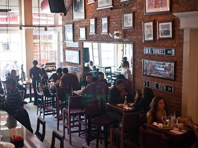 La Casa Del Mofongo  Restaurants in Washington Heights