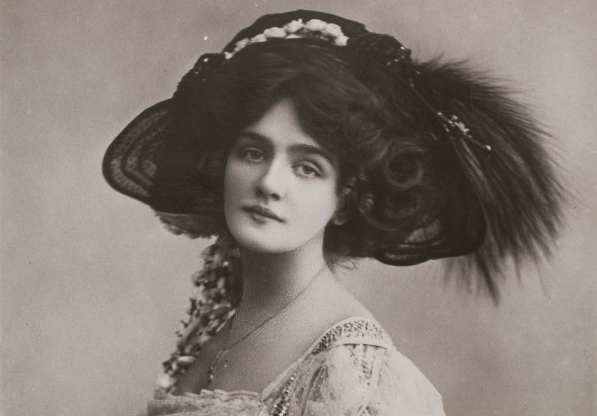 Staging Fashion 18801920 Jane Hading Lily Elsie