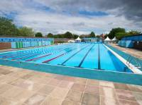 Lidos and outdoor swimming pools in London  Swimming in ...