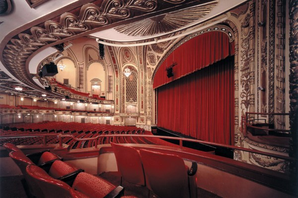 Theater Guide Chicago' Musicals & Plays Time