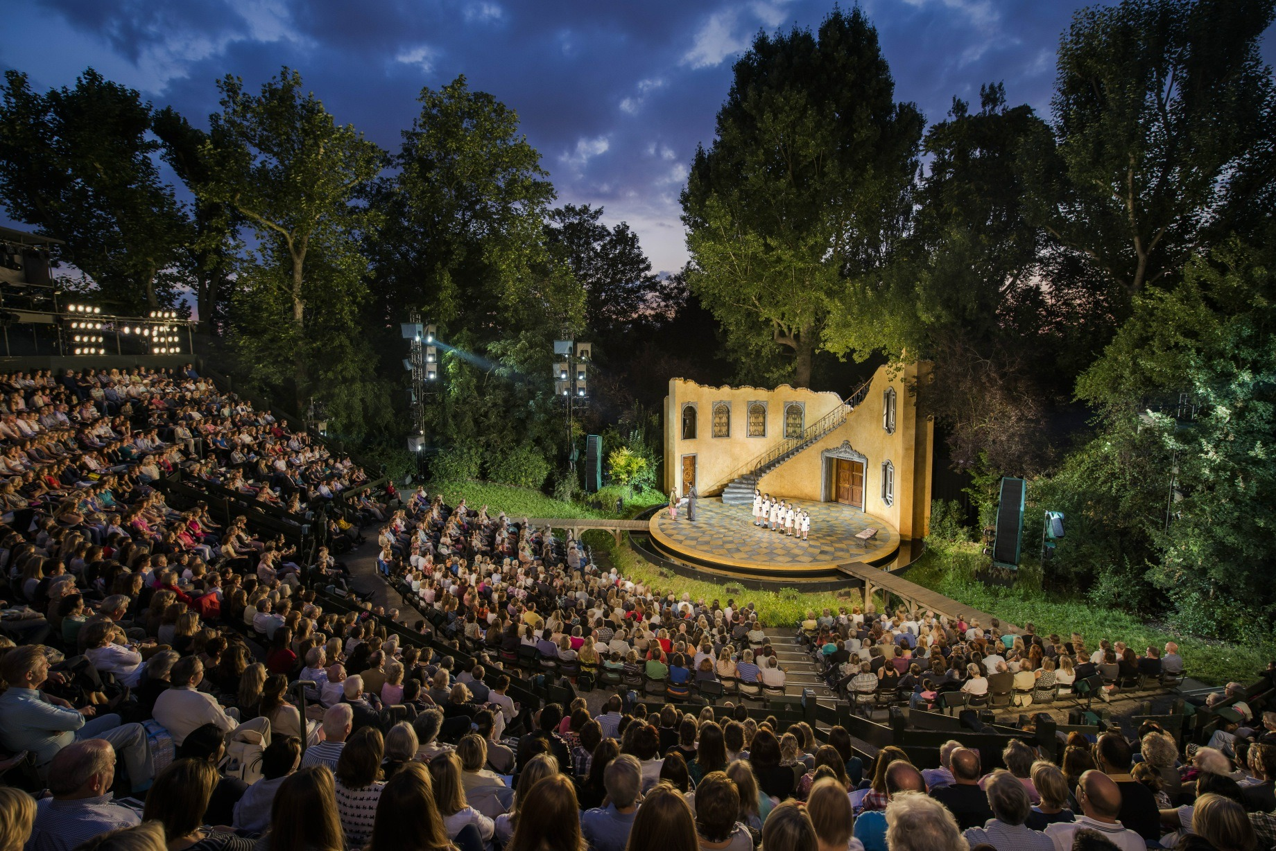 outdoor chairs for sporting events x rocker gaming chair power cord open air theatre in london time out