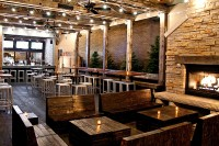33 Chicago restaurants and bars with fireplaces