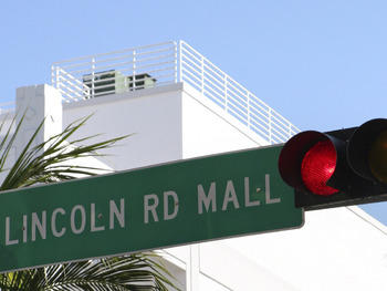 Style it out at the Lincoln Road Mall