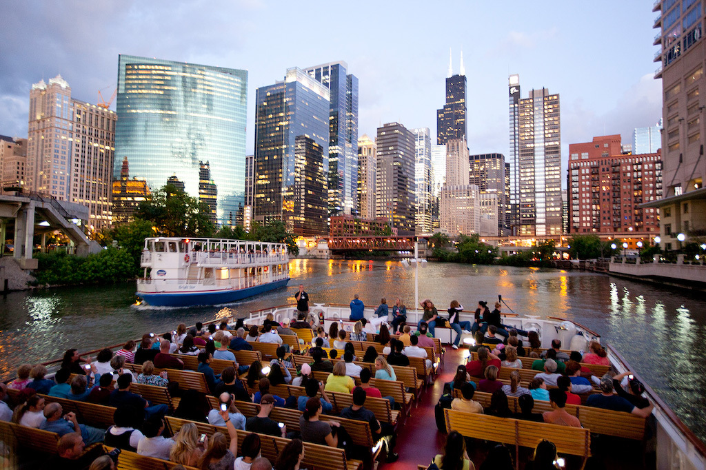 12 of Chicagos Best Boat Tours for Seeing The City