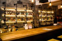 Hopscotch Bars And Pubs In Raffles Place Singapore