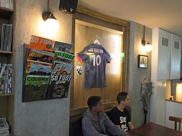 best sofa singapore review la z boy barrett cocoa power reclining l'inconnu | bars and pubs in grands boulevards, paris