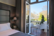 London Hotels with Balcony Rooms
