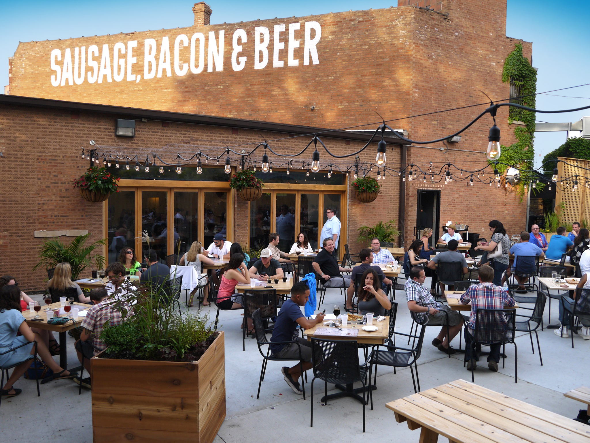 19 Best Outdoor Restaurants, Patios And Cafes In Chicago