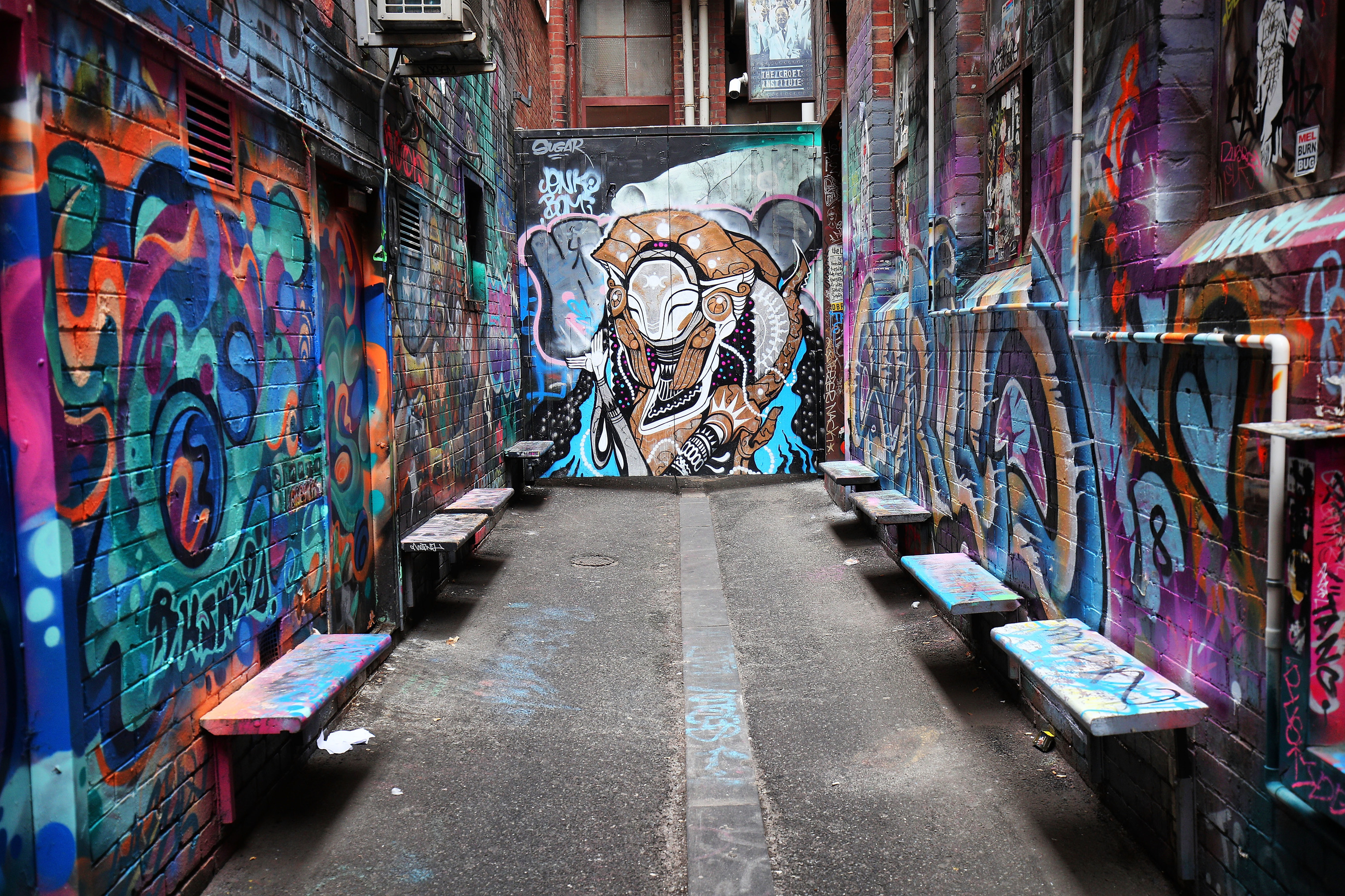 Alley Graffiti Wallpaper