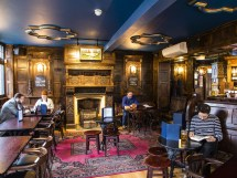 Virgin Queen Bars And Pubs In Bethnal Green London