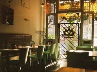 14 Best Restaurants in Cape Town from Budget to Blowout