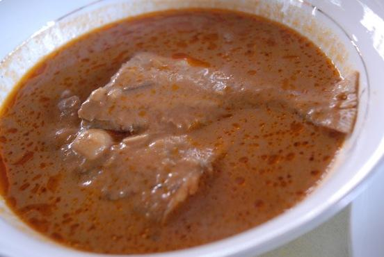 Groundnut soup & fufu