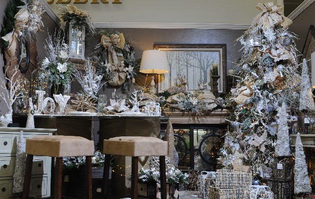 For the third straight year, burlap reigns over holiday decorating trends. But this season, the textile chills out with pairings of white ornaments, white mini lights, glass globes, white flowers and snowy birch twigs for wintry wonderlands.<br /> Source: Trees N Trends
