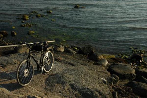 Hình ảnh Xe đạp điện đầu tiên chạy bằng năng lượng mặt trời số 3