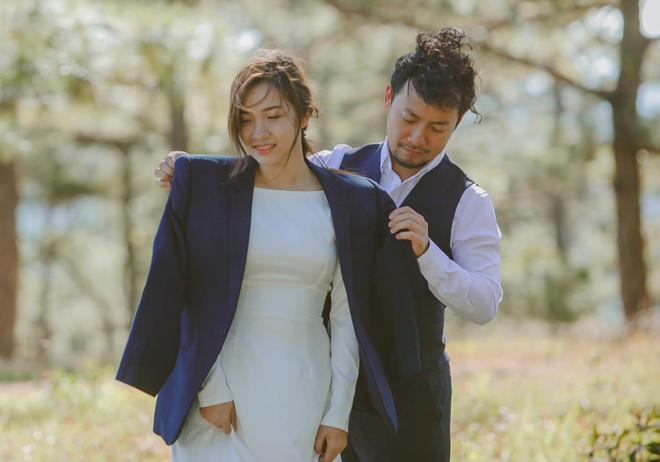Vợ của tình cũ Hari Won nói về sai lầm khi chụp ảnh cưới với Tiến Đạt 2