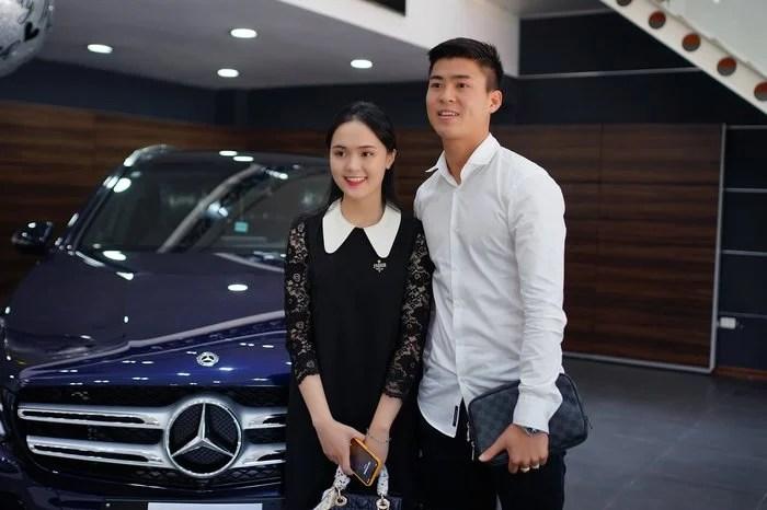 Duy Mạnh và Quỳnh Anh 'chơi lớn' sắm xe sang 2 tỷ trước khi về chung một nhà 2