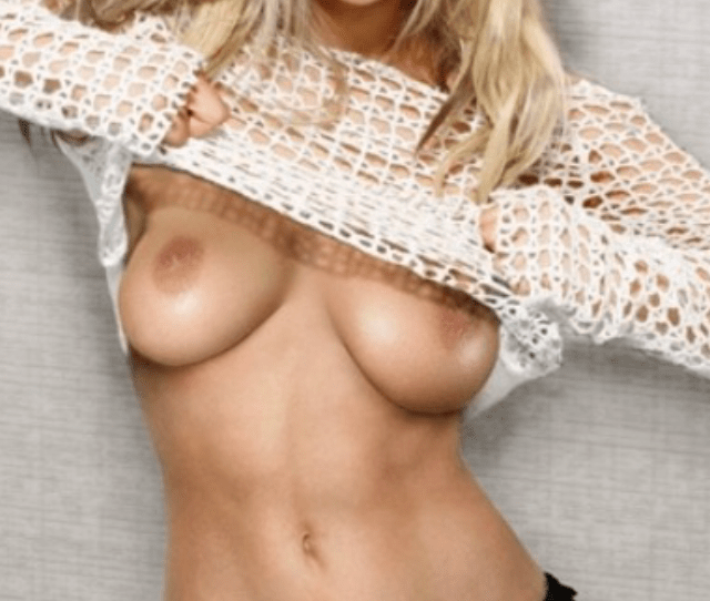 Kaley Cuoco Wonderful Topless American Blonde Actress With Wonderful Bare Average Boobie Hd Sex Photoshoot