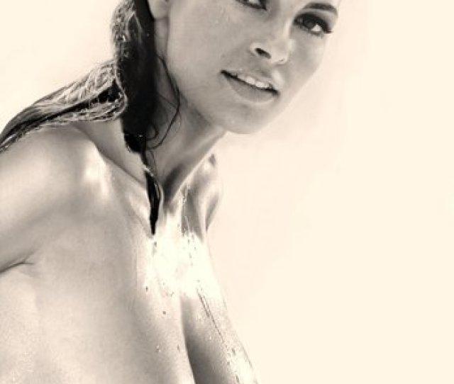 Raquel Welch Nude  F F C B Ef B F  Pics Of Hot Naked Boobs