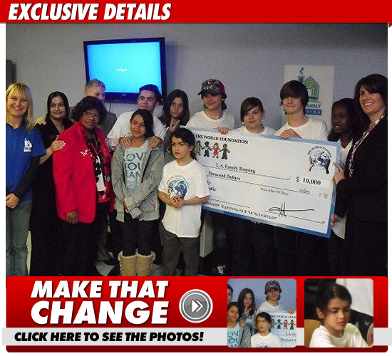 Michael Jacksons Kids Give Away 10000 To Honor Dad