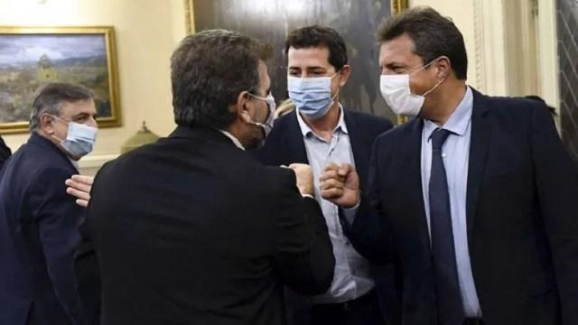 acuerdo del Gobierno y la oposición para postergar las PASO y las generales