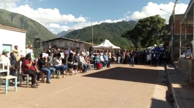 Valle Grande: entrega de recursos e indumentaria