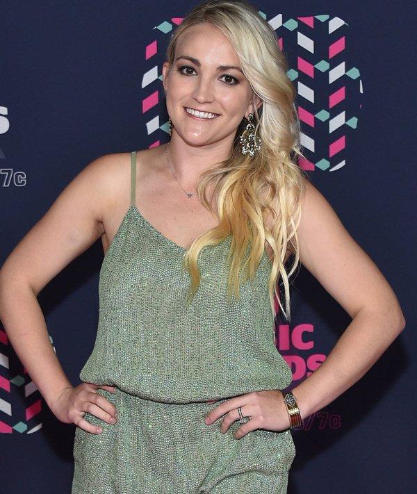 """Jamie Lynn Spears Talks Teen Pregnancy & Daughter Maddie """"'ve Raised With Lot Of Honesty"""