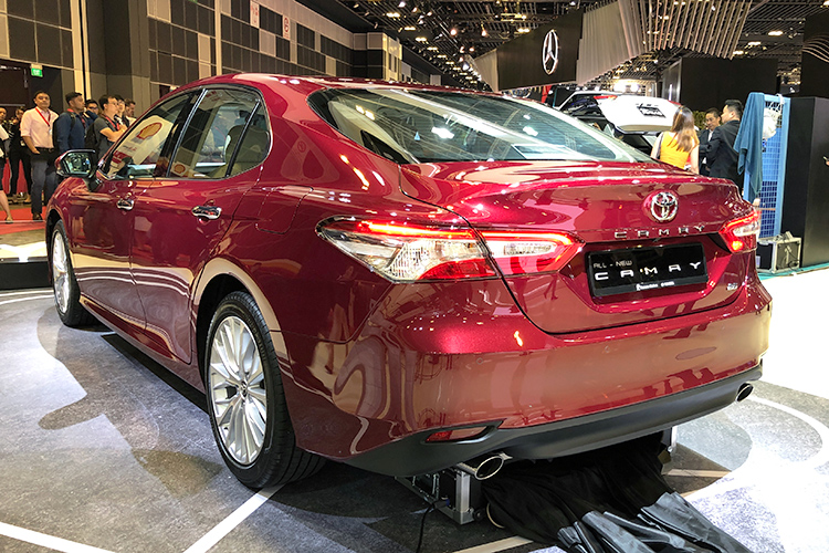 all new camry singapore innova venturer 2018 toyota now in its eighth generation launched
