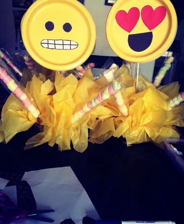 Emoji Birthday Party Decorations Ideas