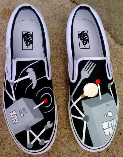 Robot shoes, via TotallyRobot.tumblr.com