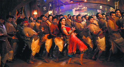 CHIKNI CHAMELI FROM THE MOVIE AGNEEPATH