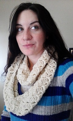Crazy Shell Infinity Scarf | free pattern || the batter's box.