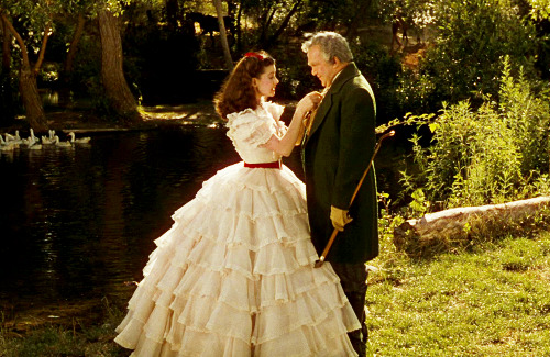 Scarlett Ohara and The Costumes of Gone with the Wind |
