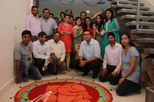 gaadi employee enjoy Diwali