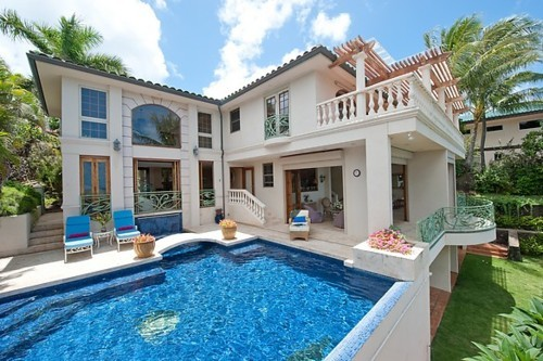 Dazzling Seaside Mansion