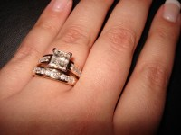 MERRY BRIDES  Etiquette: Where To Wear Wedding Band