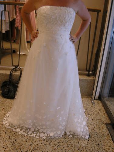 amy ponds wedding dress  Tumblr