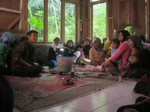 Pelatihan Dan Sosialisasi Bersama Ibu-Ibu Huriput