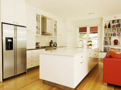 Kooyong's dowdy kitchen at the time of its 2008 sale